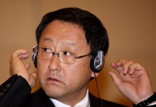 Toyoda offers apology to Chinese consumers for recalls